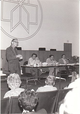 Ganzfeld experiment - Ray Hyman in 1983 with Lee Ross, Daryl Bem and Victor Benassi.