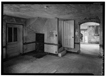 INTERIOR, FIRST FLOOR WITH CLOSET STAIRCASE - Thomas Massey House, Lawrence and Springhouse Roads (Marple Township), Broomall, Delaware County, PA HABS PA,23-BROOM.V,1-11.tif