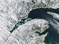 Ice on the St Lawrence River, Canada.jpg