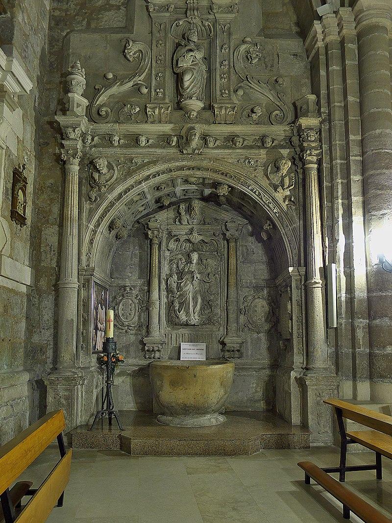 Iglesia de Santa Águeda (Burgos). Sepulcro.jpg