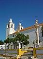 Igreja Matriz e Pelourinho de Avis - Portugal (8108363117).jpg