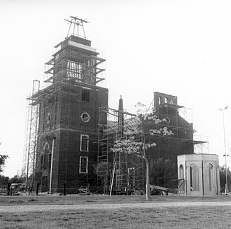 Disney's America - Independence Hall replica construction at Knott's Berry Farm, March 17, 1966. Courtesy of Orange County Archives.