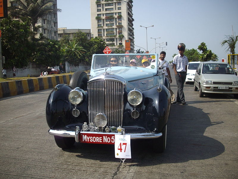 File:Indian maharajah era 'Vintage Rolls Royce' at 'Mumbai Vintage car rally-2010'.jpg