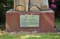 Informationstafel der Klara-von-Assisi-Statue.jpg