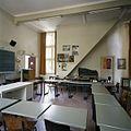 Interieur, overzicht van een klaslokaal aan de voorzijde van de school - 's-Gravenhage - 20387492 - RCE.jpg