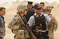 Iraqi police learn about weapons DVIDS195584.jpg
