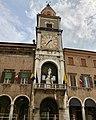 Italie, Modène, Piazza Grande, Palazzo Communale, Torre Mozza (50245484881).jpg