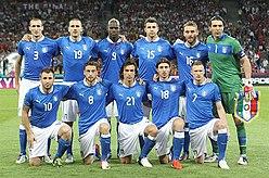 Cassano e compagni prima del fischio d'inizio della finale dell'Europeo 2012