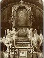 Jędrzejów - opactwo cystersów. Wnętrze kościoła, kaplica bł. W. Kadłubka, fot. ok. 1914.jpg