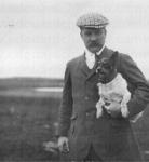 """Jacques Faure et son chien """"dirigeable"""".png"""