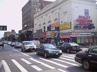 Jamaica Avenue - Image: Jam Avenue Guy Br Blvd