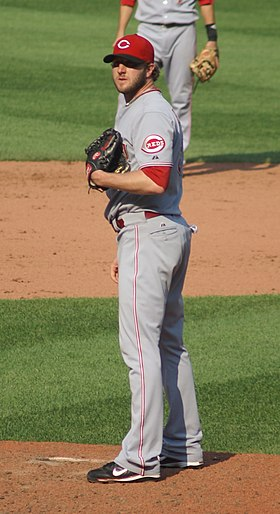 Jared Burton on the mound in September 2008.jpg