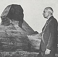 Jawaharlal Nehru at the Sphinx.jpg