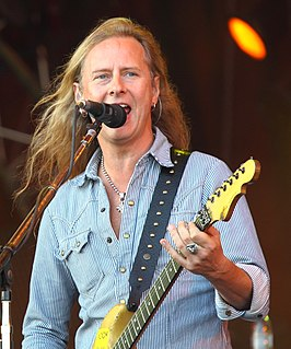 Jerry Cantrell American guitarist, singer and songwriter