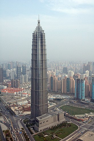Jin Mao Tower - The Jin Mao Tower in August 2005, with SWFC under construction