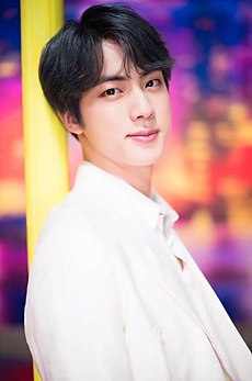 "Jin for Dispatch ""Boy With Luv"" MV behind the scene shooting, 15 March 2019 06.jpg"
