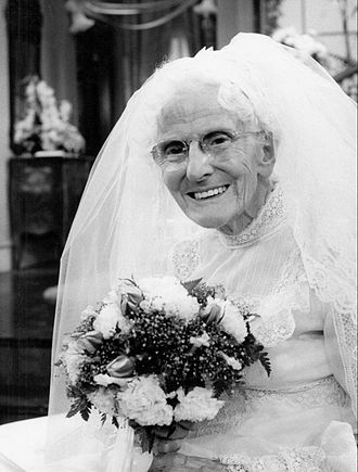Phyllis (TV series) - Judith Lowry as Mother Dexter (1976)