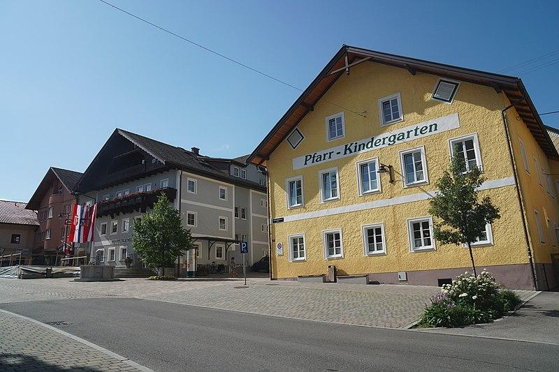 File:Jugendlager 2017 Anmeldung Zeltaufbau afkvb thalhammer (6) (35676635720).jpg
