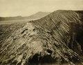 KITLV - 75181 - Kurkdjian, Fotograaf George P. Lewis, aldaar werkzaam - Sourabaya, Java - Crater of Gunung Bromo - circa 1920.tif