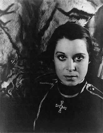 Kitty Carlisle - Photograph by Carl Van Vechten (1933)