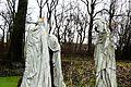 Koszuty, museum, sculptures Szepczace postaci (2).JPG