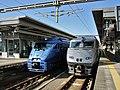 Kuroha 882-6 & 787 series at Ōita Station.jpg
