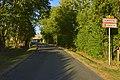 L'une des routes d'accès à Vendoire (30340181765).jpg