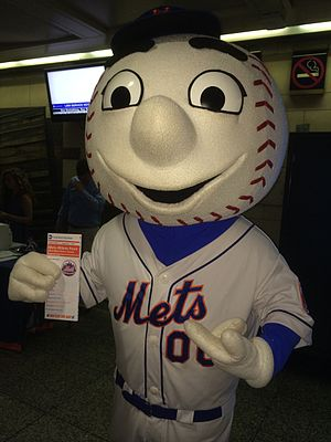 Mr. Met - Image: LIRR Summer Kick off Event (14266880060)