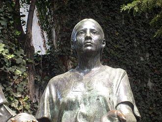 La Malinche - La Malinche, as part of the Monumento al Mestizaje in Mexico City