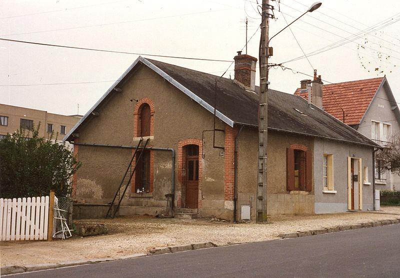 File:La petite épicerie des ouvriers de la fonderie de Mazières au XIXème.jpg