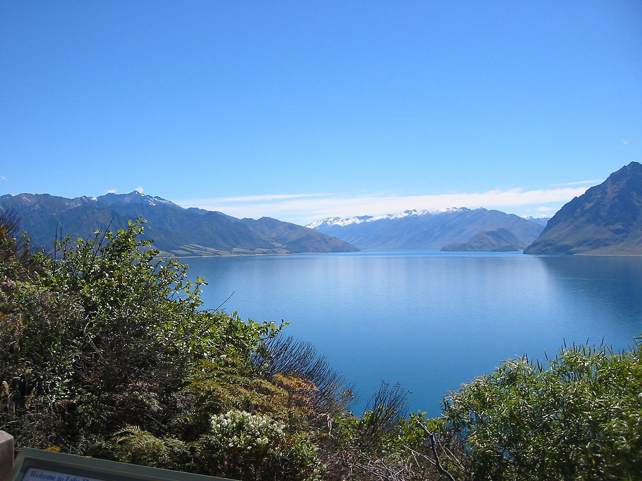 New Zealand Picture: File:Lake Hawea, New Zealand.jpg