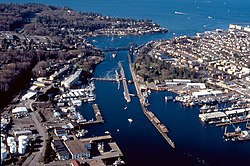 Lake Washington ship canal, Hiram M. Chittenden Locks, 1995.jpg