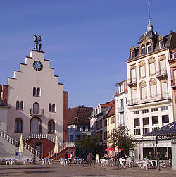 Landau Rathausplatz 02.JPG