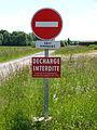 Le Chesne-FR-08-chemin rural-08.jpg