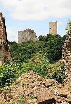 Le château de Châlus Chabrol vu par Renaud Camus le 26 juin 2008.jpg