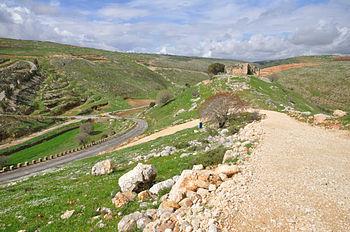 Lebanon-Chaqra-village-Dubai-fortress.jpg