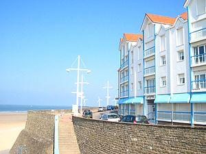 Le Portel - Image: Les quais de la plage Le Portel