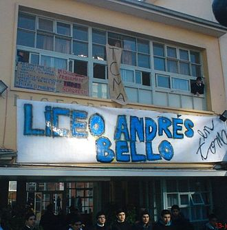 2011–13 Chilean student protests - Liceo Andres Bello currently occupied by students, commune of San Miguel, Chile, from on June 13, 2011.