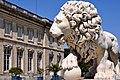 Lion sur la terrasse du château de Compiègne.jpg