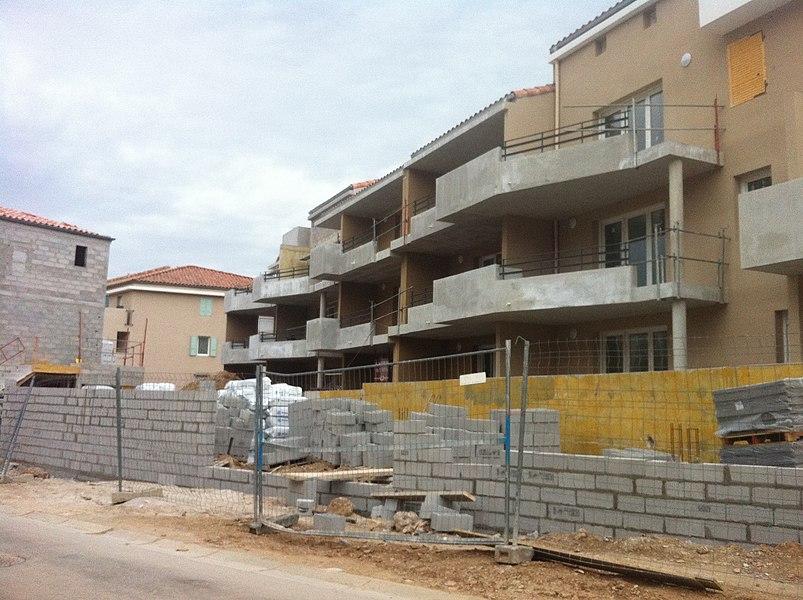 Logements en construction à Saint-Zacharie