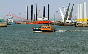 Port of Lowestoft - Image: Lowestoft 10 4 2004