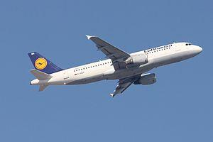 Lufthansa A320 D-AIQA.JPG