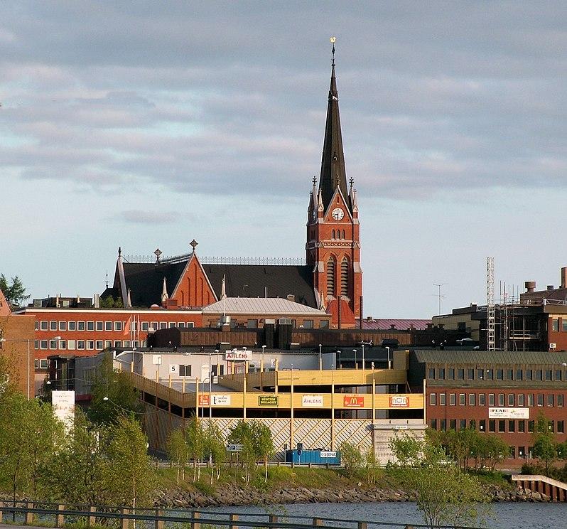 http://upload.wikimedia.org/wikipedia/commons/thumb/4/45/Lulea_Kirche.jpg/798px-Lulea_Kirche.jpg