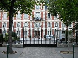 Lycée Pasteur (Neuilly-sur-Seine) - Image: Lycée Pasteur 3