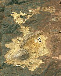 അമേരിക്കയിലെ യുട്ടാ എന്നസ്ഥലത്തെ ചെമ്പ് നിക്ഷേപം. നാസ എടുത്ത ഉപഗ്രഹ ചിത്രം