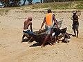 Madagascar, devant l'océan indien.pêcheurs.jpg