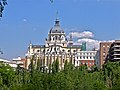 Madrid. Catedral de La Almudena - panoramio.jpg