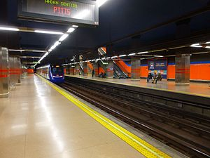 Madrid - Estación de Metro de Islas Filipinas 2.JPG