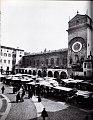Mantova - Piazza Erbe.jpg