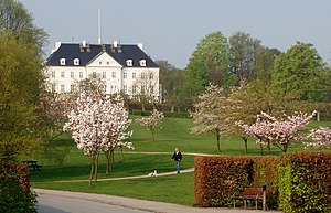 Mindeparken - Mindeparken with Marselisborg Palace in the background.